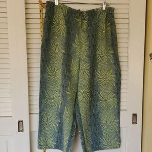 Tommy Bahama Capri Pants